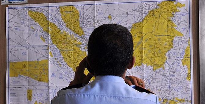 162  yolculu Air Asia uçağı kayboldu