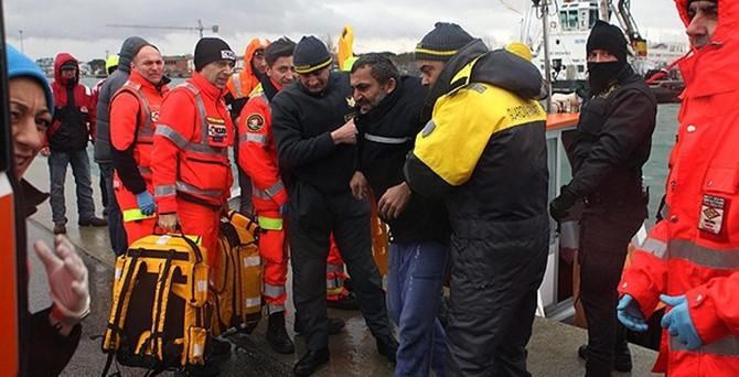 Türk kargo gemisi battı: 2 ölü, 4 kayıp