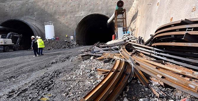 Tünel çöktü! Türk işçiler hayatını kaybetti