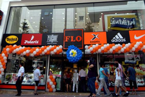 FLO en büyük mağazasını açtı