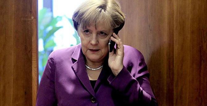 Merkel'e yeni bir şok