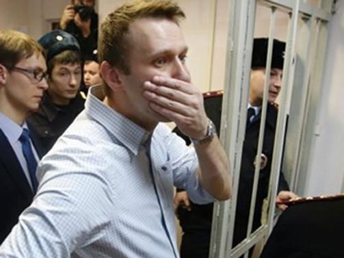 Putin'in rakibine 3.5 yıl hapis cezası