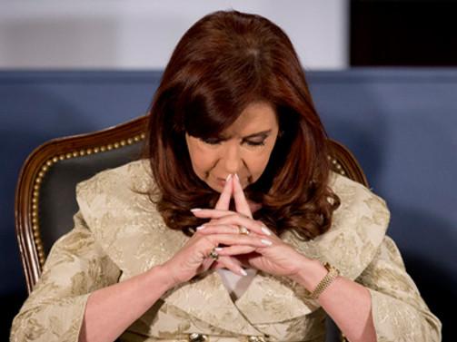 Arjantin devlet başkanı ayağını kırdı