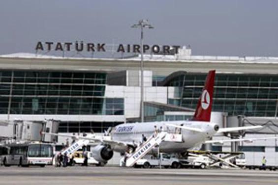 Mahan Air Atatürk Havalimanı'na acil iniş yaptı