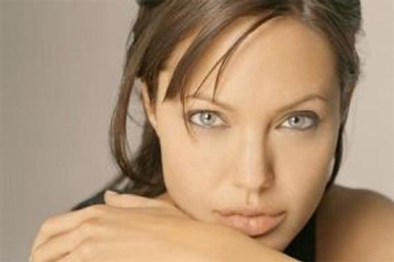 Angelina Jolie, Pakistan için devrede