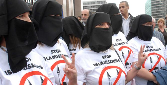 Almanya'da Müslüman karşıtlığı yükseldi