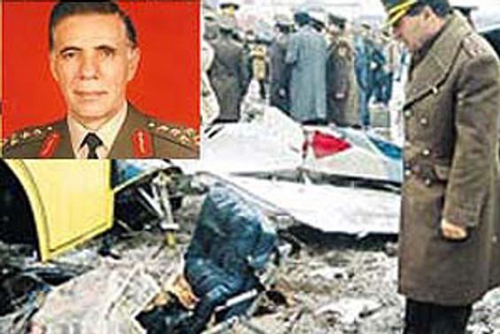 """""""Eşref Bitlis'in uçağı bal gibi düşürüldü"""""""