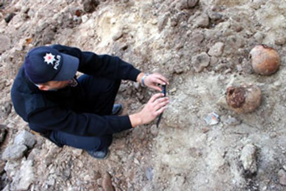 İnşaat kazısında toplu mezar çıktı