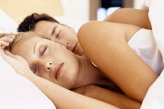 Uyku bozuklukları eşlerin arasını bozmayacak