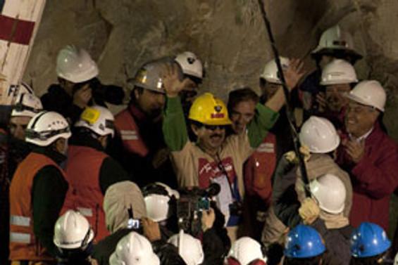 Madencilere hediye yağıyor