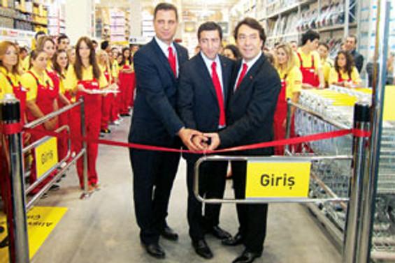bauMax Türkiye'de 50 mağaza açmayı hedefliyor