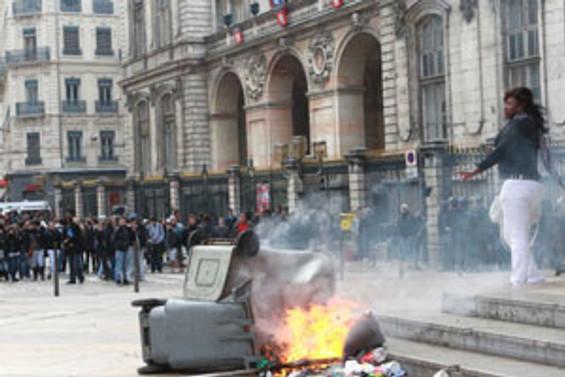 Fransa'da hayat normale dönüyor