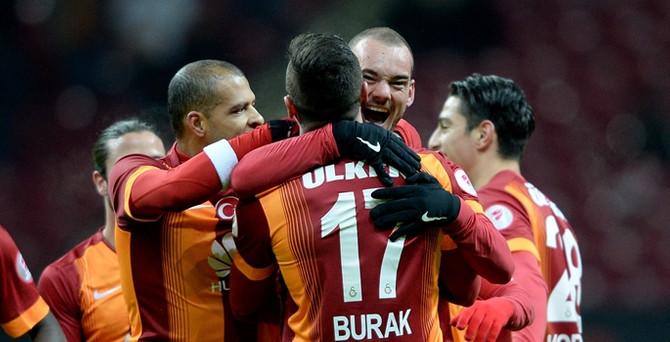 Galatasaray kupayı pazar günü kaldıracak