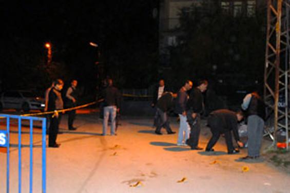 Polis karakoluna saldırı