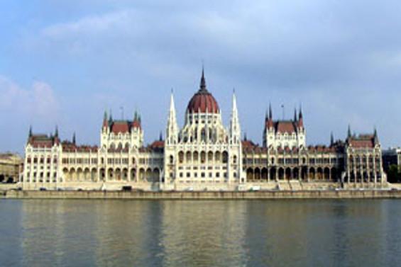 Macaristan MB politika faizini tuttu