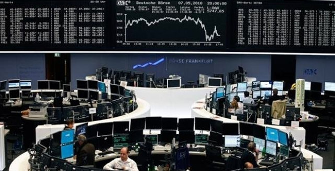 Avrupa borsaları PMI sonrası düşüşle kapandı