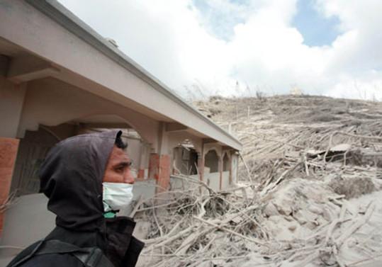Merapi can almaya devam ediyor: 122 ölü