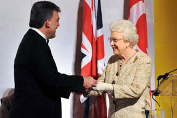 Cumhurbaşkanı Gül, yılın devlet adamı ödülünü aldı