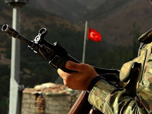 Şemdinli'de asker intiharı