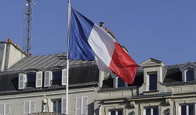 Fransa, İsviçre sınırındaki iki gümrük kapısını kapatacak