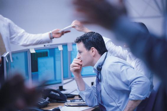 Piyasalar sakin güne yatay başladı