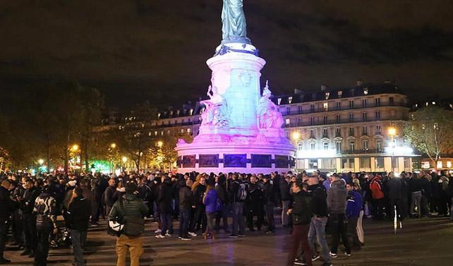 Fransız polisinden Paris'te izinsiz gösteri