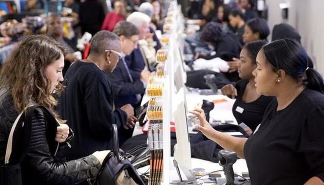 ABD'de kişisel harcamalar güçlü arttı