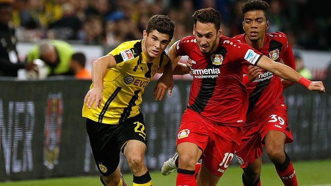 Almanya'da haftanın futbolcusu Hakan Çalhanoğlu