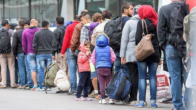 Kanada 2017'de 300 bin göçmen alacak