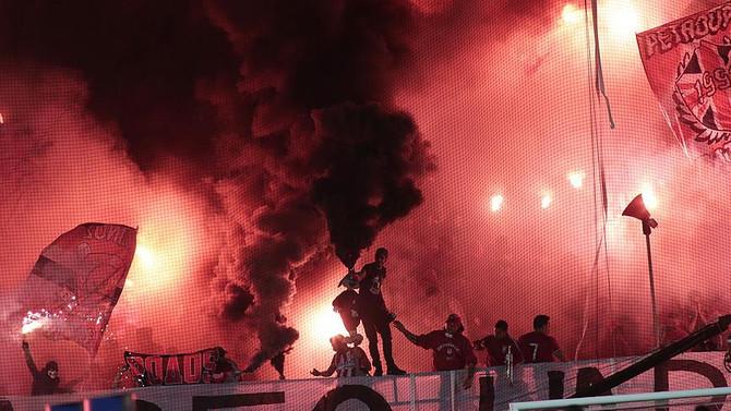 Yunanistan'da tüm lig maçlarına ara verildi