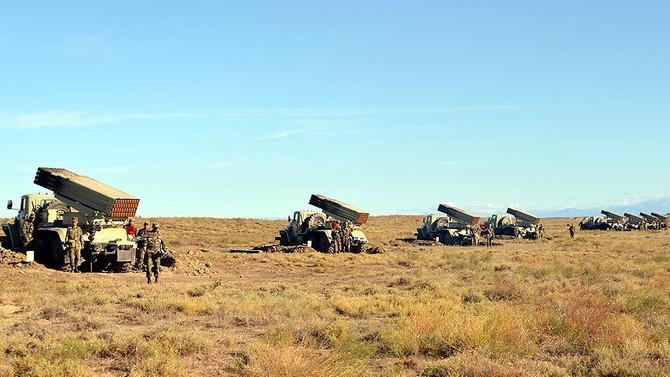 Azerbaycan ordusu geniş çaplı tatbikata başladı