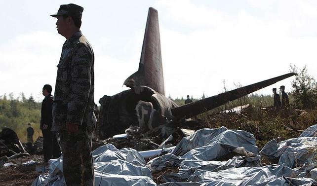 Çin'in ilk kadın pilotu uçak kazasında hayatını kaybetti