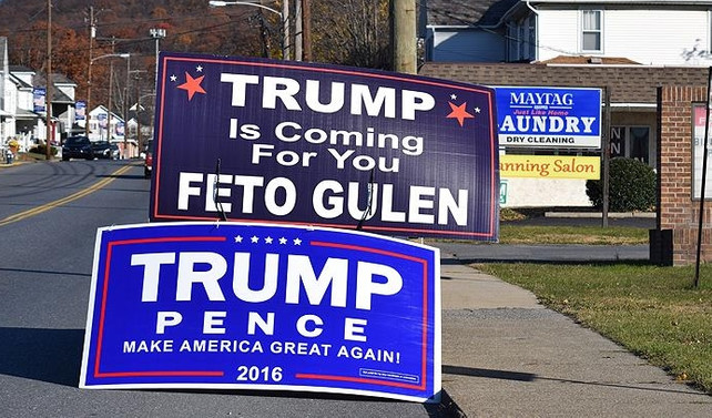 Pensilvanya'da Gülen karşıtı pankart açıldı