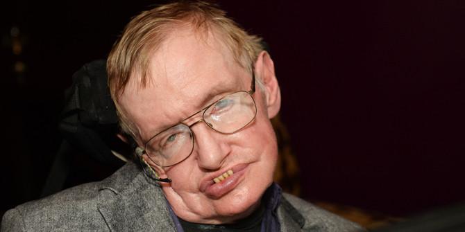 Hawking: İnsanlığı karanlık bir gelecek bekliyor