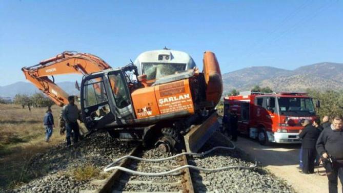 İzmir'de tren kazası: 20 yaralı