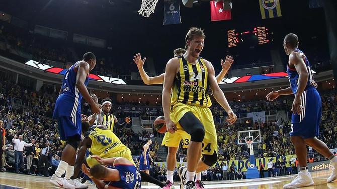 Fenerbahçe, Anadolu Efes'i mağlup etti