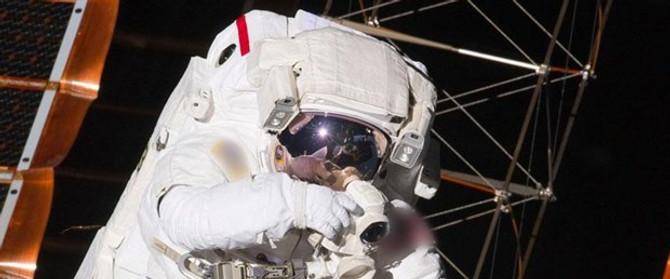 Çinli astronotlar Dünya'ya geri döndü