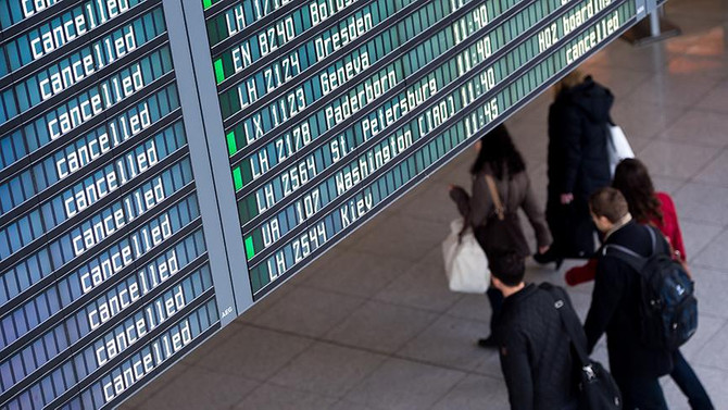 4 günlük grev nedeniyle 2,755 uçuş iptal edildi