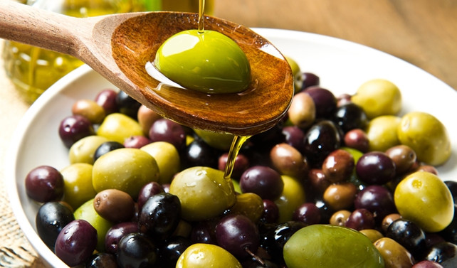 Zeytinciler, 'prim desteği yağın hammaddesi zeytine verilmeli' diyor