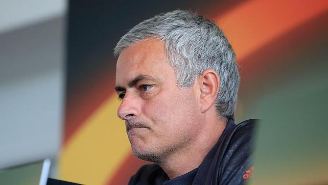 Mourinho'ya men cezası