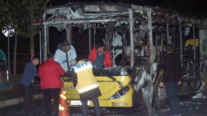 İstanbul'da belediye otobüsünü yaktılar