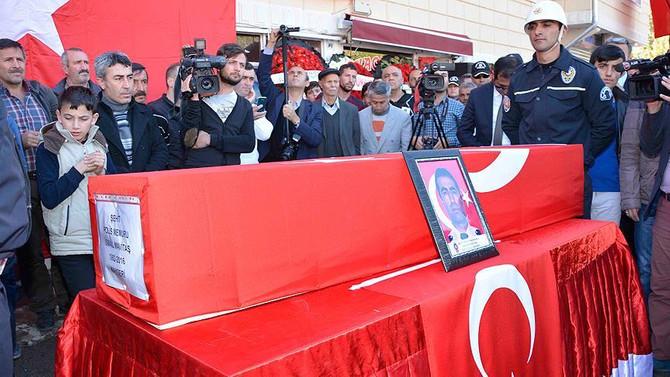 Diyarbakır şehitleri uğurlanıyor