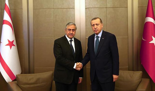 Erdoğan, Akıncı ile bir araya geldi