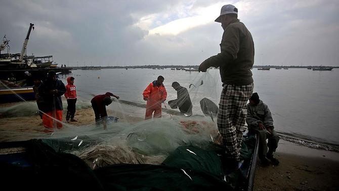 İsrail, Gazze'de balık avlama kararını askıya aldı