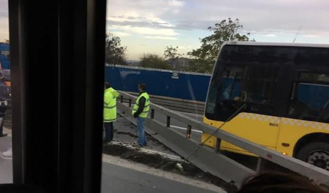 Köprü yolunda kaza trafiği felç etti
