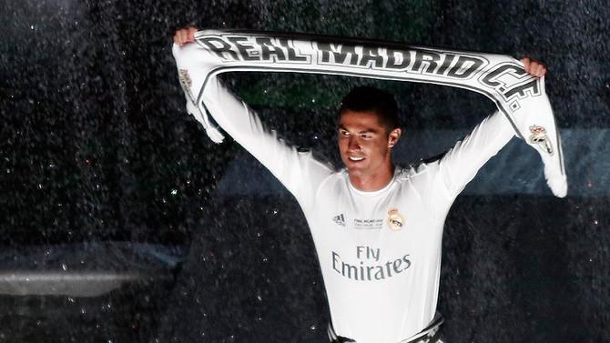 Ronaldo 2021'e kadar Real Madrid'de