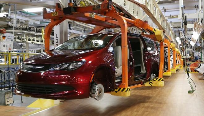 Fiat Chrysler, Kanada'da üretime ara veriyor
