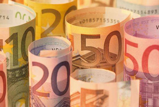Dolarda rekor yürüyüşü devam ediyor