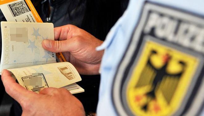Almanya'dan Türkiye'deki muhaliflere iltica sinyali