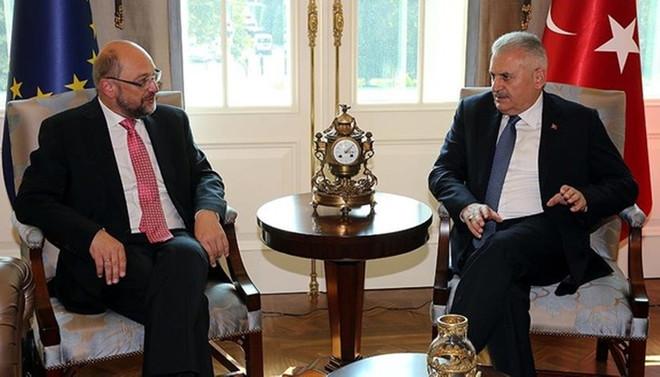 Schulz, Başbakan Yıldırım'ı aradı